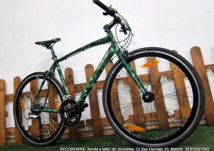 MIMETICA Bicicleta de Autor Pintada y lacada. Totalmente revisada. FICHA TÉCNICA: Cuadro:ALUNINIO. Talla:M Transmisión:SHIMANO DEORE/XT 3X9V Cambios:SHIMANO Frenos:TEKTRO Llantas:ALUMINIO Cubiertas:KENDA 700X35(Nuevas) Cables-Fundas: (Nuevas) Cadena:SHIMANO (Nueva) Pastillas: SHIMANO (Nuevas) Cámaras: Michelin (Nuevas) REVISIÓN COMPLETA PLUS 69€ (GRATIS) SecondBike Madrid C/San Germán 70 , Madrid. Metro:Estrecho - Tetuan, L1. Tlf:910221042 - 6330648847. Horario:Lunes a Viernes. 10:00-14:00 y 17:00-20:00. Sábado. 10:00-14:00. www.secondbikemadrid.com
